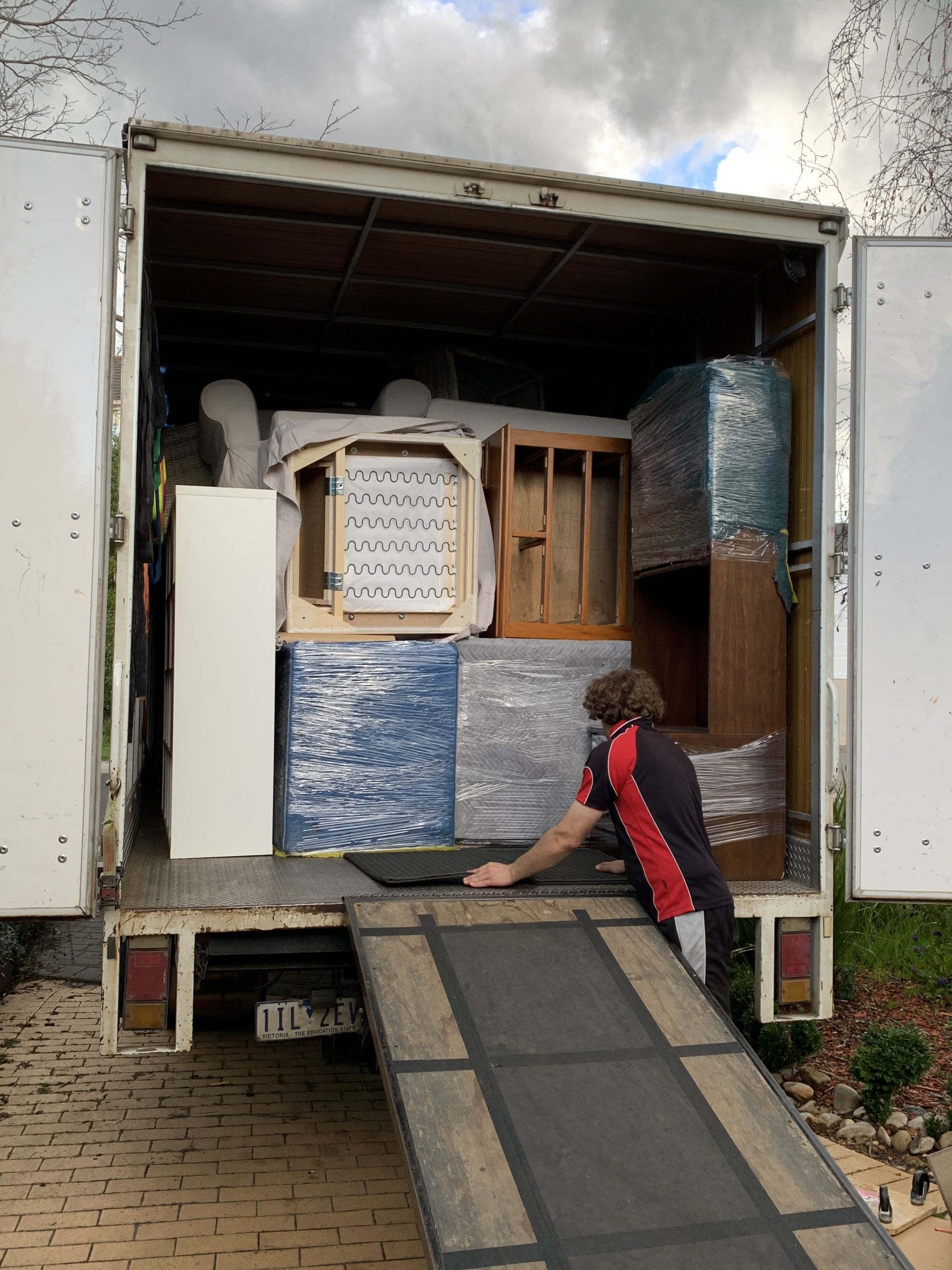Need A Subcontractor Truckie For Your Business? Here's How Removalist On The Run Can Help.